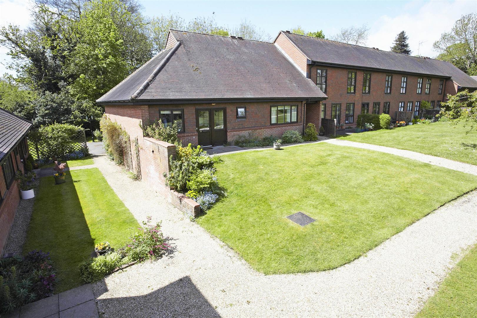 2 Bedrooms Bungalow for sale in Old Parsonage Court, West Malling